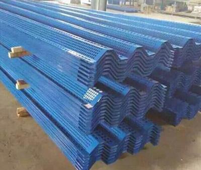 蓝色波形护栏